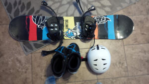 Youth Snowboard - Firefly Size 6.5 boots & Delimit 120 Snowboard