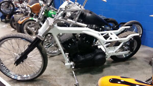 CUSTOM 26 BAGGER ROLLING CHASSIS WITH SCREAMING EAGLE DRIVTRAIN