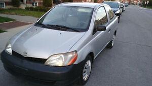 2002 Toyota Echo berline Impecable aucune rouille !!!
