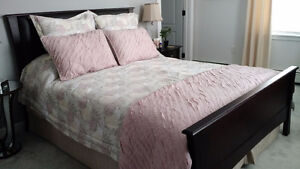 Queen size comforter with shams