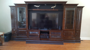 Moving: Stunning wood wall unit/ tv entertainment center