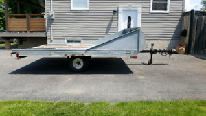 Double-wide tilt snowmobile trailer