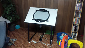 Animation Disc with Desk and Lamp