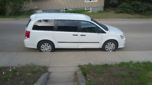 2014 Dodge Grand Caravan stow--&-go