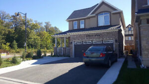 FOR RENT - 4 BEDROOM HOME / STUDENTS  /WORKING PROFESSIONAL/