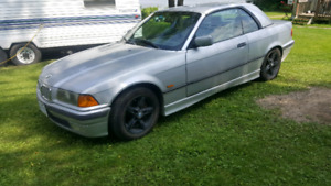 1998 BMW 323 I Convertible US car , with hard top $3000