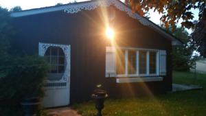 Country setting detached bachelor apartment north of Oshawa