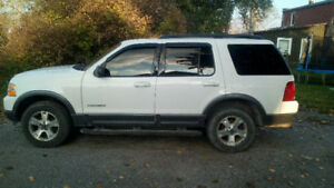 2004 Ford Explorer *needs work*