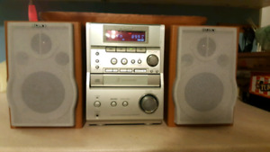 SONY sound systeme TAPE  And CD player