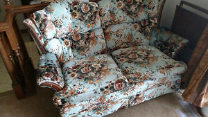 SEWING MACHINE WITH CABINET, SINGER 401 M FOR SALE, SOFA SET, TA