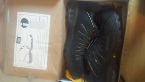 CAT STEEL TOE SHOES BOOTS BRAND NEW