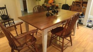 Harvest Table with 4 Chairs