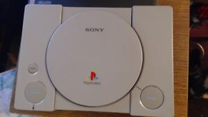 ps1 consoles, controllers and 6 games