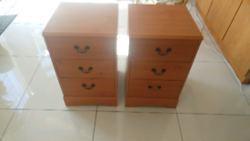 2 matching bedside table