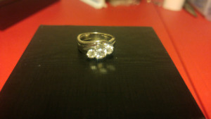3 Stone Diamond White Gold Engagement Ring Approx 1.2 ct