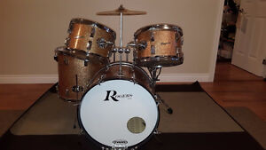 "1966 Rogers ""Top Hat"" Kit in Pink Champagne Sparkle"
