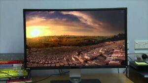 Selling Benq 32 inch Monitor