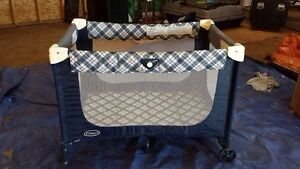 Collapsible/Portable Play Pen. Great condition.