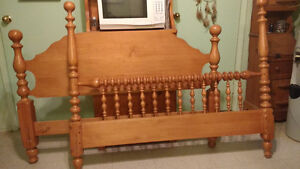 Double Bed Frame - Solid Roxton Maple