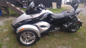 Can Am Spider 2008 excellent condition.