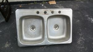 STEEL KITCHEN  DUBLE SINK GOOD CONDITION