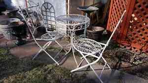 Table et chaises de patios