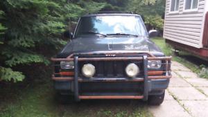 Jeep Cherokee 2000 sport 4.0 L a vendre