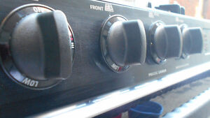 GE PROFILE SERIES GAS RANGE (PERFECT CONDITION)