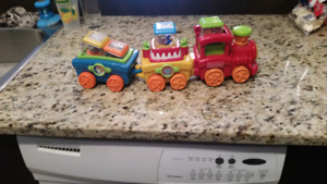 Train de cirque fisher price peek a blocks