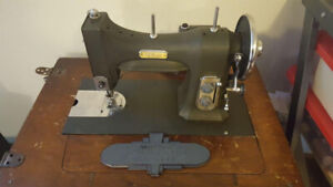 Vintage 1938 WHITE Rotary electric sewing machine, 77 E-6354