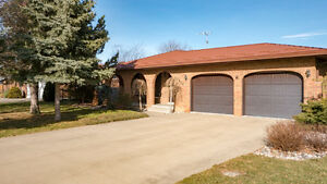 JUST LISTED! 12324 Meconi - Sought-after area of Tecumseh!