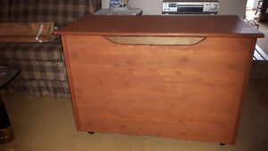 NICE SOLID WOOD TOY CHEST / TOY BOX, or BLANKET BOX, STORAGE BOX