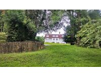 2 bedroom flat in Portley Wood Road, Whyteleafe, Surrey, CR3