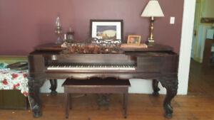 CLASSIC SQUARE GRAND PIANO