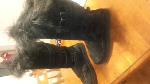 UGG Boots, Womens Size 7