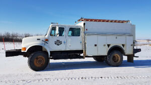 4800 IHC Service Truck 4X4