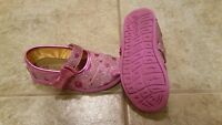 Bobs toddler shoes size 7