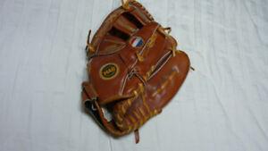 Mag Left Hand Baseball Glove