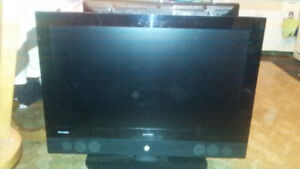37 Inch ViewSonic LCD Flat Screen with Remote