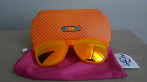 Authentic Oakley Frogskins with Polarize Lens