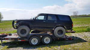 1992 Toyota 4Runner suv and car trailer