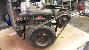 8hp Briggs and Stratton horizontal engine