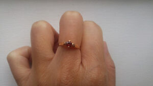 A 10k gold ring with small red stone Kitchener / Waterloo Kitchener Area image 2