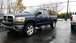 2006 DODGE RAM 4X4 ONLY 116k THAT IS A MUST SEE TRUCK $8500