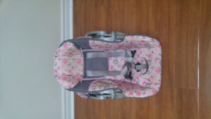 Baby car seat with its base ( baby trend)
