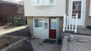 Bright 1-br Basement Apartment on West End Hamilton Mountain