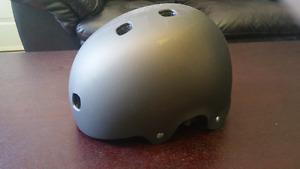 Mens skateboard helmet - medium