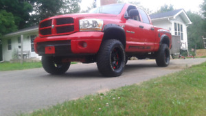 2006 dodge ram 5.7L  hemi sport  lifted  7800