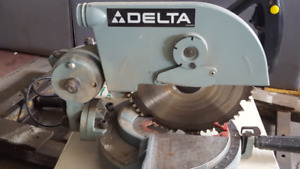 compound miter saw with roller table