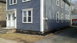 3 bedroom downtown close to UNB, STU, NBCC and bus route